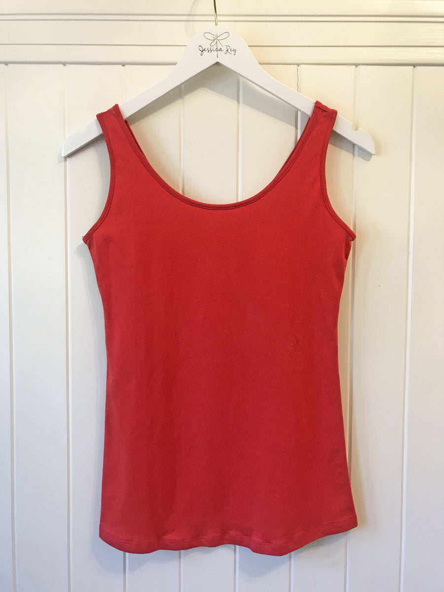 the sorrento tank in true red
