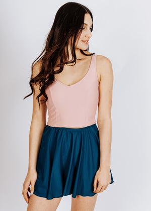 claudette in rosa top