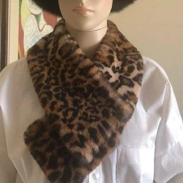 Patchy Leopard Faux Fur Collar - Eurockk.com