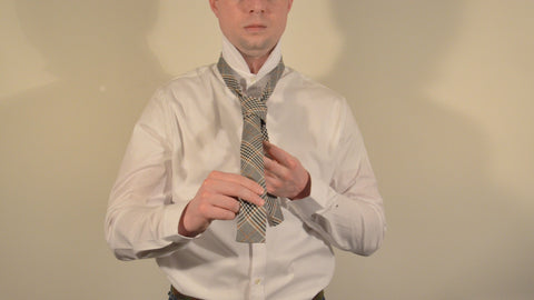 how to tie a tie step 5