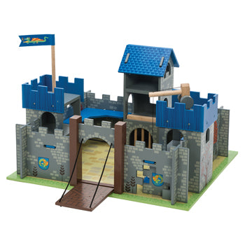 Excalibur Castle, Set