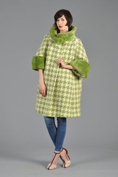 1950s Green Houndstooth Beaver Fur Trim Swing Coat