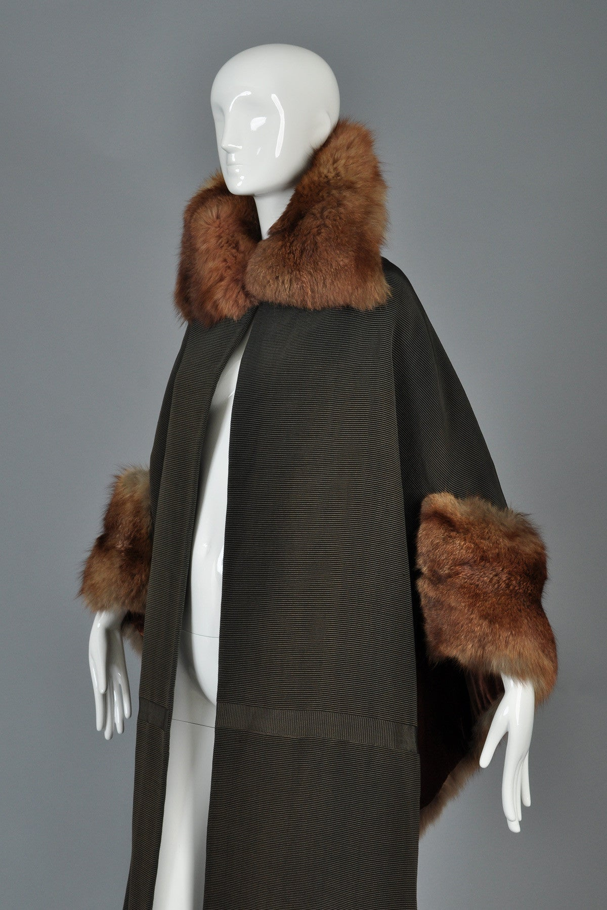 Art Deco Cape-Backed Faille Coat w/Sable Fur Trim | BUSTOWN MODERN for Sable Fur Cape  242xkb