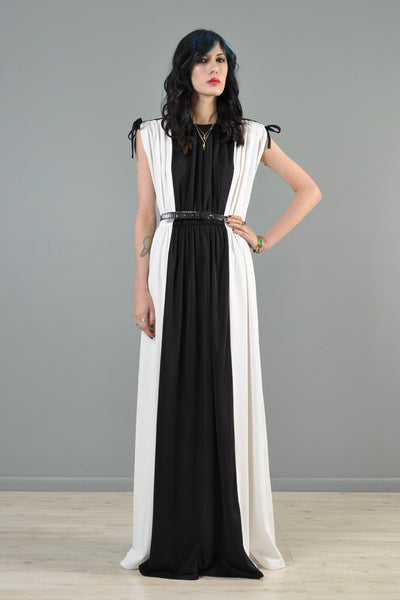 Black + White 1970s Grecian Column Dress