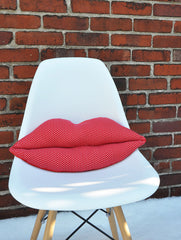 Bisou Kiss Cushion in Red
