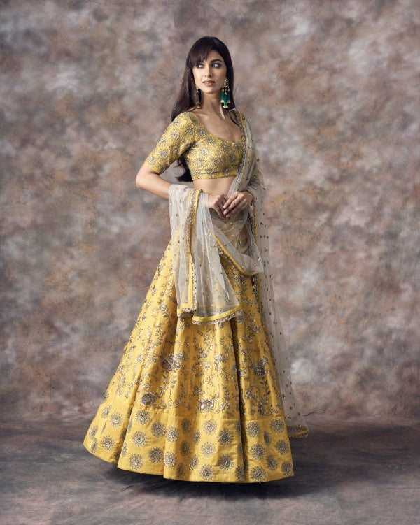 Yellow Color Beautiful Attractive Designer Bridal Lehenga-Bridal Lehenga Store CME118