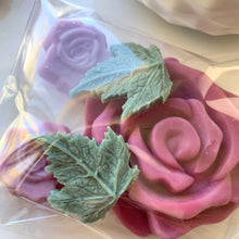 Load image into Gallery viewer, Rose Petals Wax Melt