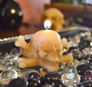 Skull & Cross Bones Candle