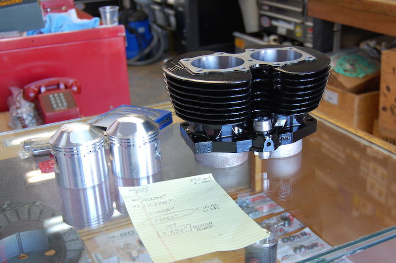 Triumph 650 Cylinder with pistons