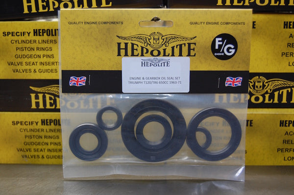 Hepolite Triumph twins engine oil seal kit