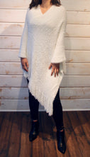 Load image into Gallery viewer, Diamond Fringe Edge Poncho - White