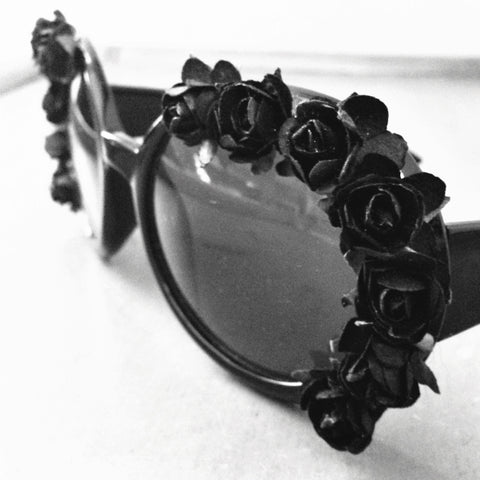 THE LYDIA BLACK ROSE SUNNIES