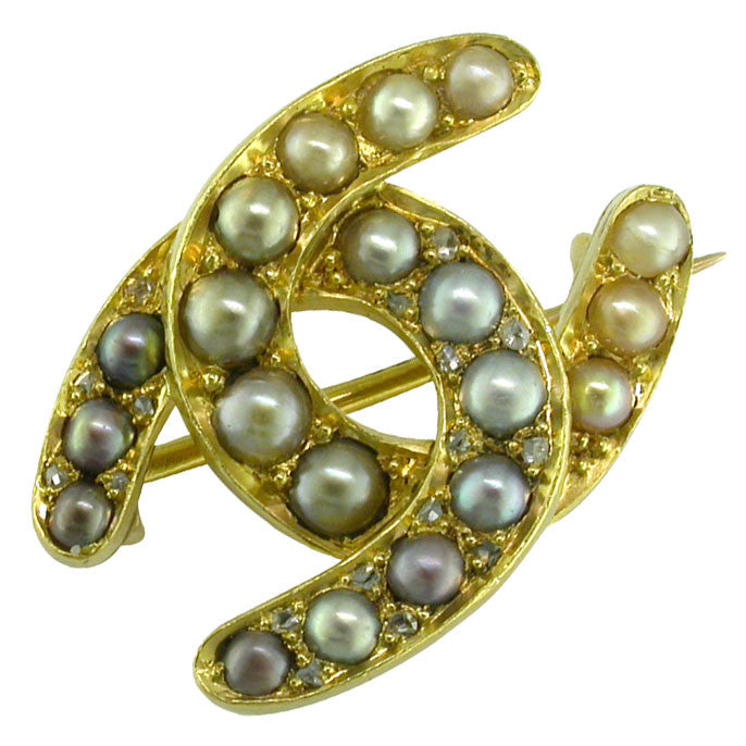 Pearl Horse Shoes Stock Pin