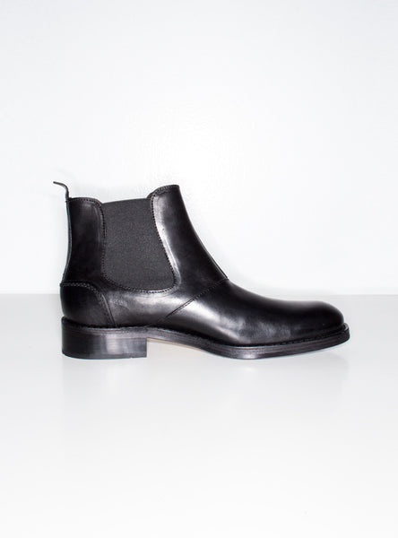 Montague Chelsea Boot In Black