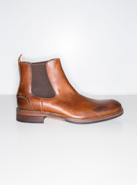 Montague Chelsea Boot In Tan