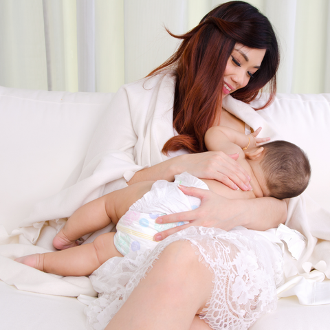 Stimulate breastmilk with nursing tea