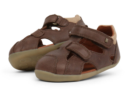 BOBUX STEP UP CHASE SANDAL - BROWN
