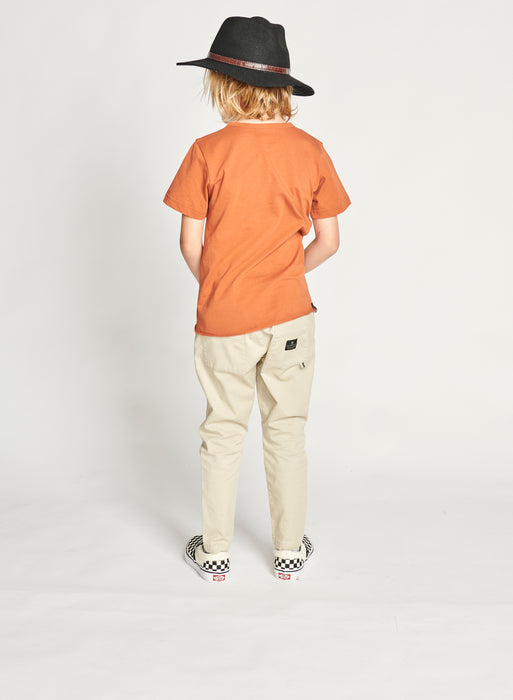 MUNSTER DROPTAIL TEE RUST