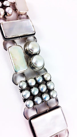 Abstract Bracelet in White Freshwater Cultured Pearlz