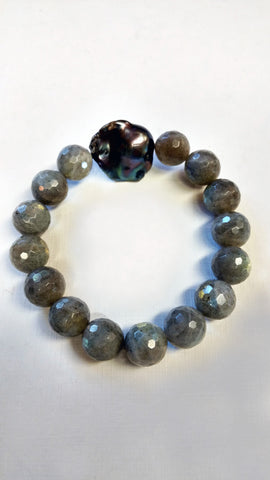 Big Labradorite Stone Bracelet with Peacock Baroque Pearl