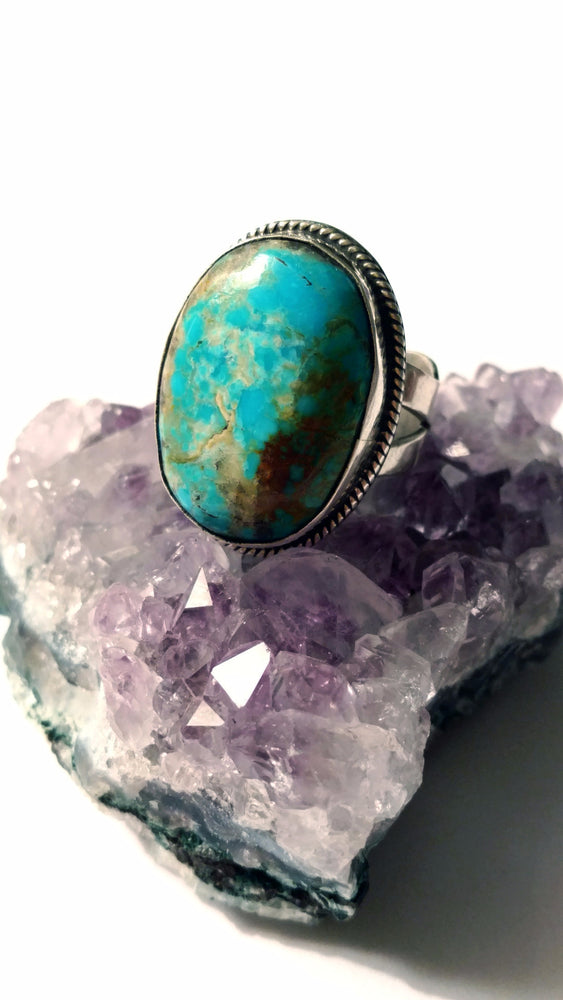 Vivid Blue Turquoise Ring with Fancy Detailed Band