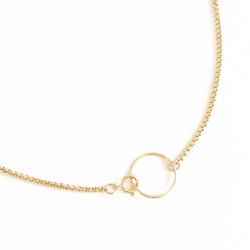 Cubic Chain Choker Necklace with Circle