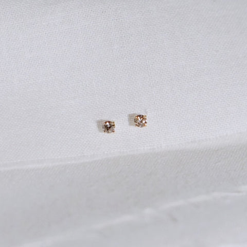 Tiny Diamond Stud Earring - Solid 14kt