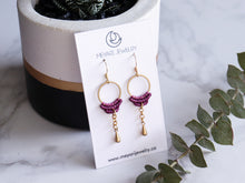 Load image into Gallery viewer, Simple drop macrame earrings