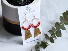 Load image into Gallery viewer, Textured quadrilateral macrame earrings