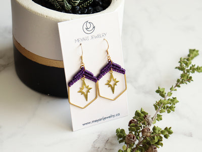 Hexagon with star macrame earrings in purple and golden color, made with  waxed polyester and brass.