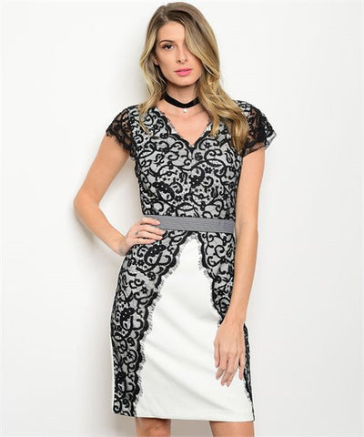 * Chic in Lace Dress in Ivory/Black