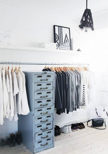 10 Minimalist Wardrobe Ideas For Girls