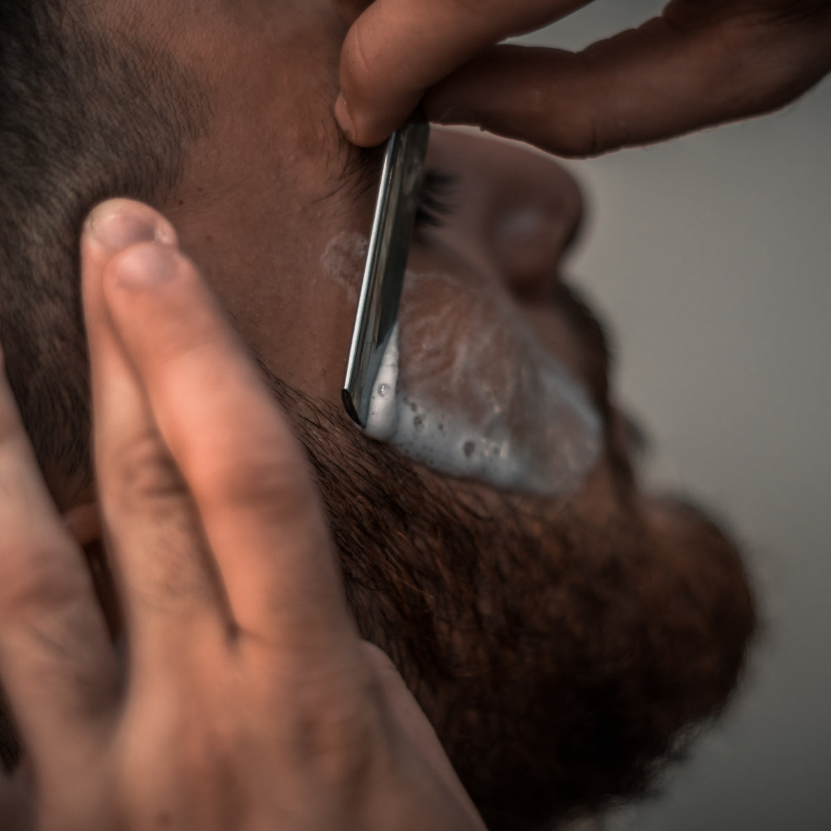 How to Achieve the Perfect Shave with a Safety Shaving Razor