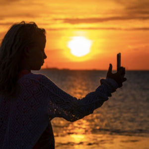 How to Take Photos of Yourself When Traveling Alone: The Best Tips