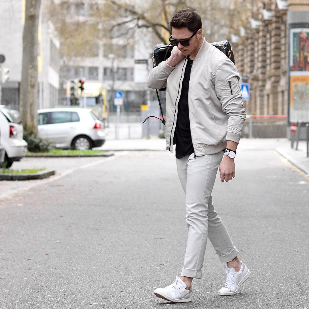 0658efa04cb0 How To Wear White Sneakers for men. 10 Amazing Outfit Ideas – LIFESTYLE BY  PS