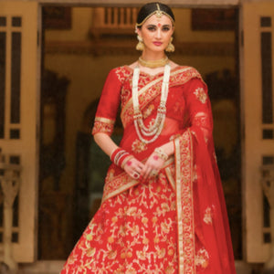 Why You Should Choose a Saree Over a Lehenga for Your Wedding