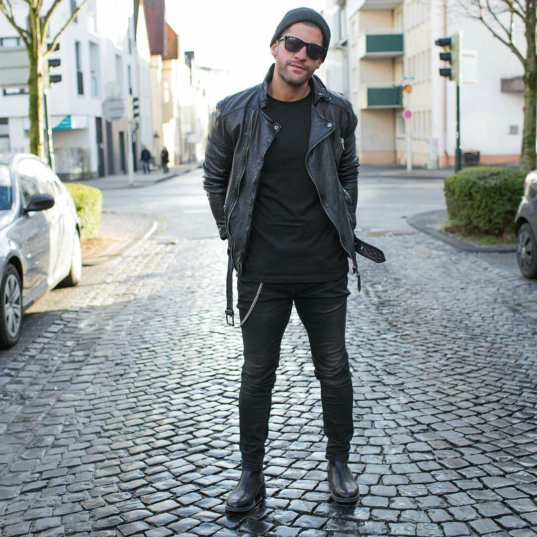 7e1e344b24ce 14 Coolest All Black Casual Outfit Ideas For Men – LIFESTYLE BY PS
