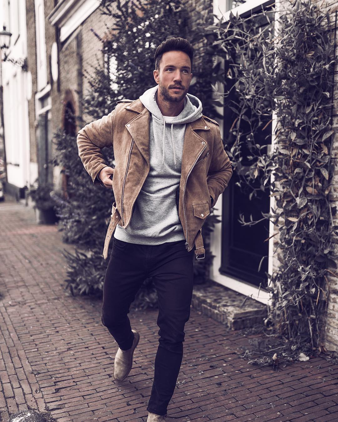 Looking for some amazing winter outfits? Then you are going to love these 5 insanely cool winter outfits I've curated for you today. #winter #outfit #ideas #mens #fashion #street #style