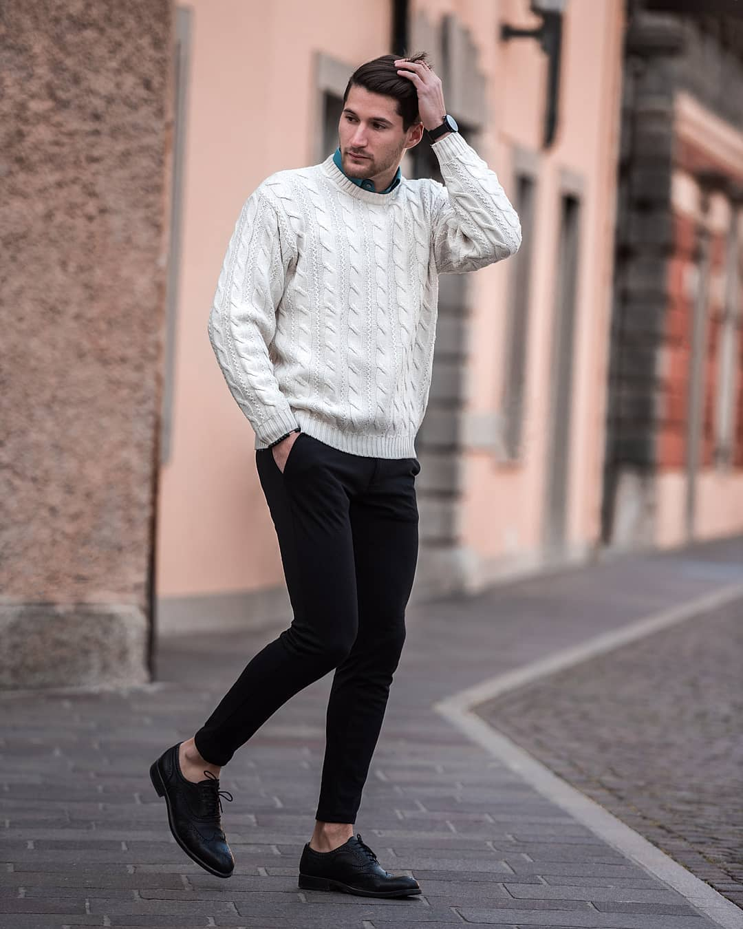 5 Sweater Outfits For Men. How To Look Good In Sweaters #sweater #outfits #mensfashion