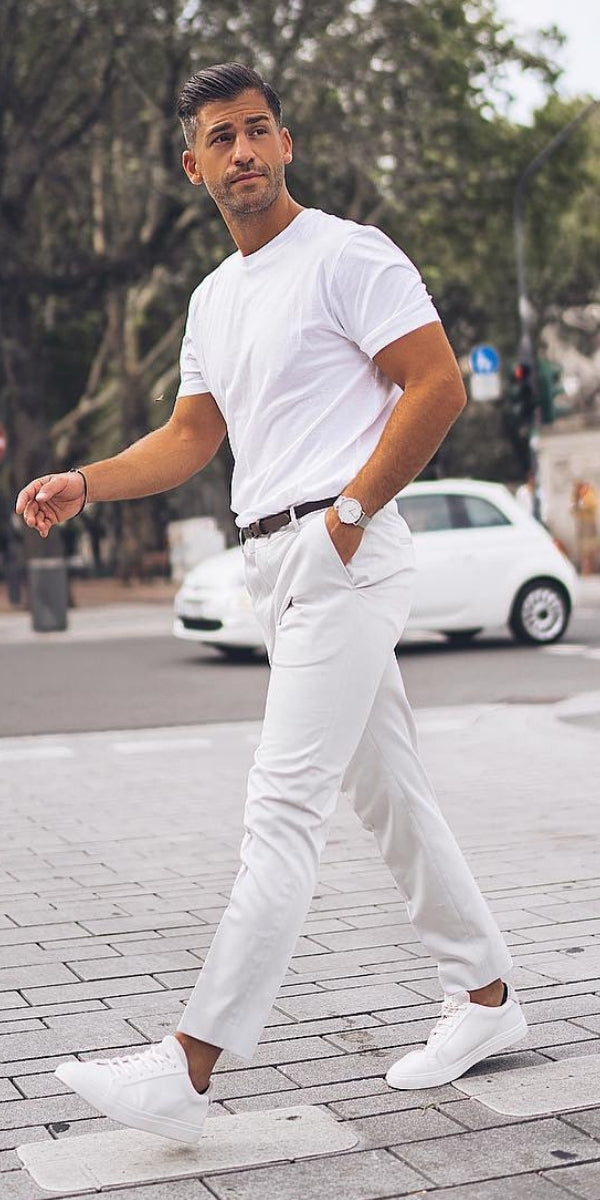 Looking some cool street ready outfits for men? Look no further. checkout these 5 amazing street style looks you can copy right now to look sharp. #street #style #mens #fashion #dapper