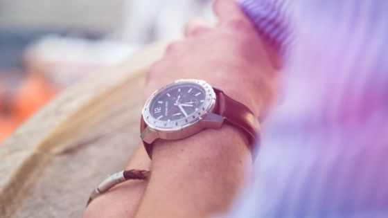 5 Creative Ways Men Can Wear a Bracelet On Casual Routine
