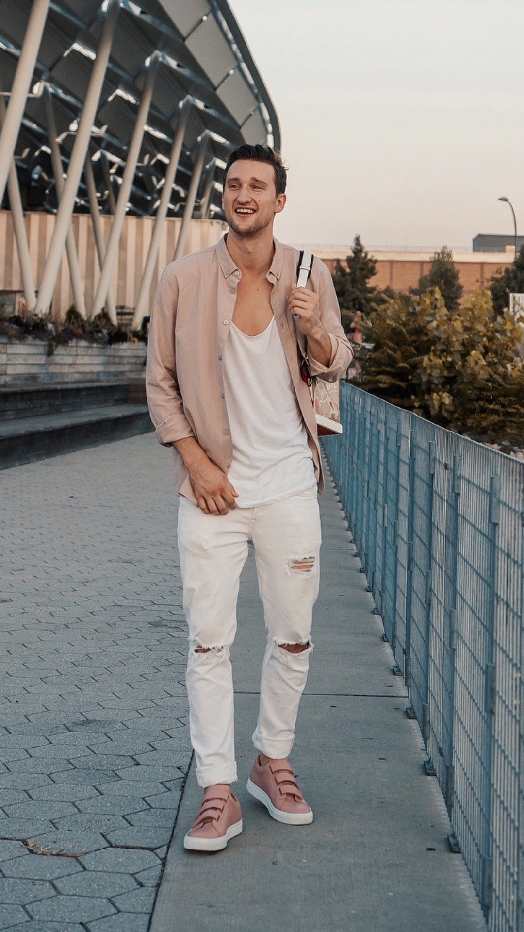 5 Easy (And Stylish) Casual Outfits You Can Try Right Now #casual #outfits #mensfashion #streetstyle