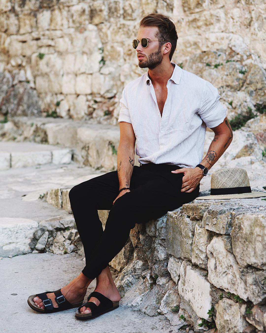 We rounded up 8 amazing looks you can try with your white shirt, from pairing it with ripped denim or cool chinos.   Now, to help you style your white shirt right, we've put together 8 insanely cool photos of guys wearing a crisp white shirt.