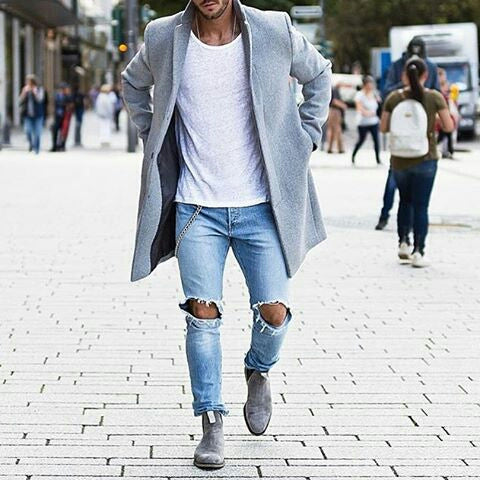 how to wear white t shirt this winter