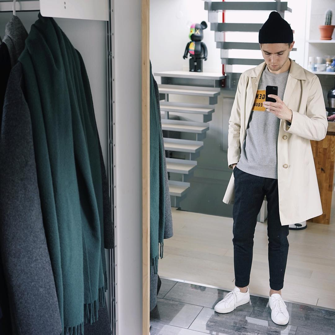 ways to wear t-shirt with overcoat