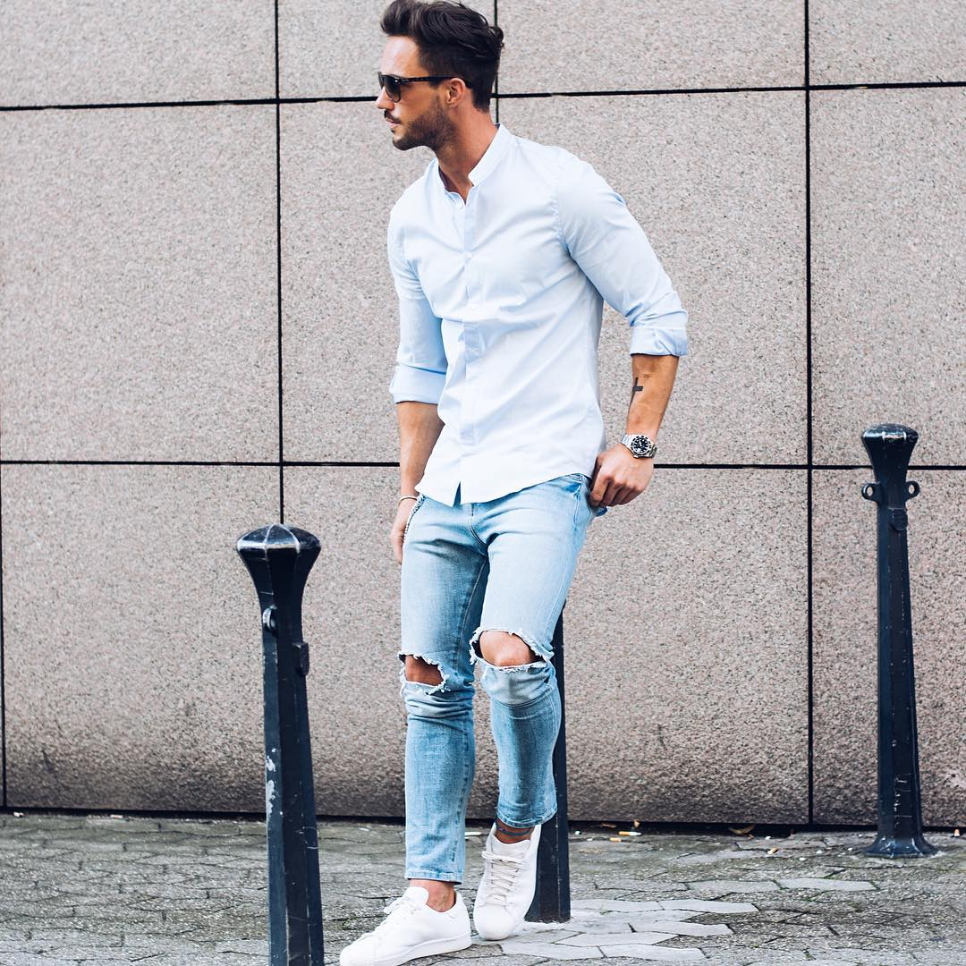From classic white crew neck tee to cool denim shirt, keep reading the find out which closet basics are wardrobe must-haves.