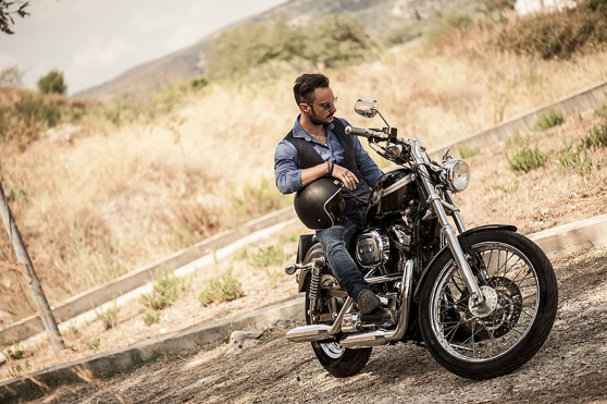 How to Choose the Right Outfit for Motorcycling