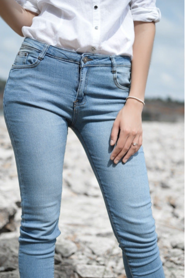 How to Choose Skinny Leg Jeans for Women
