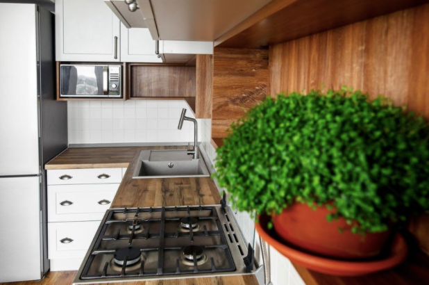 Add a Touch of Green Color to Your Kitchen