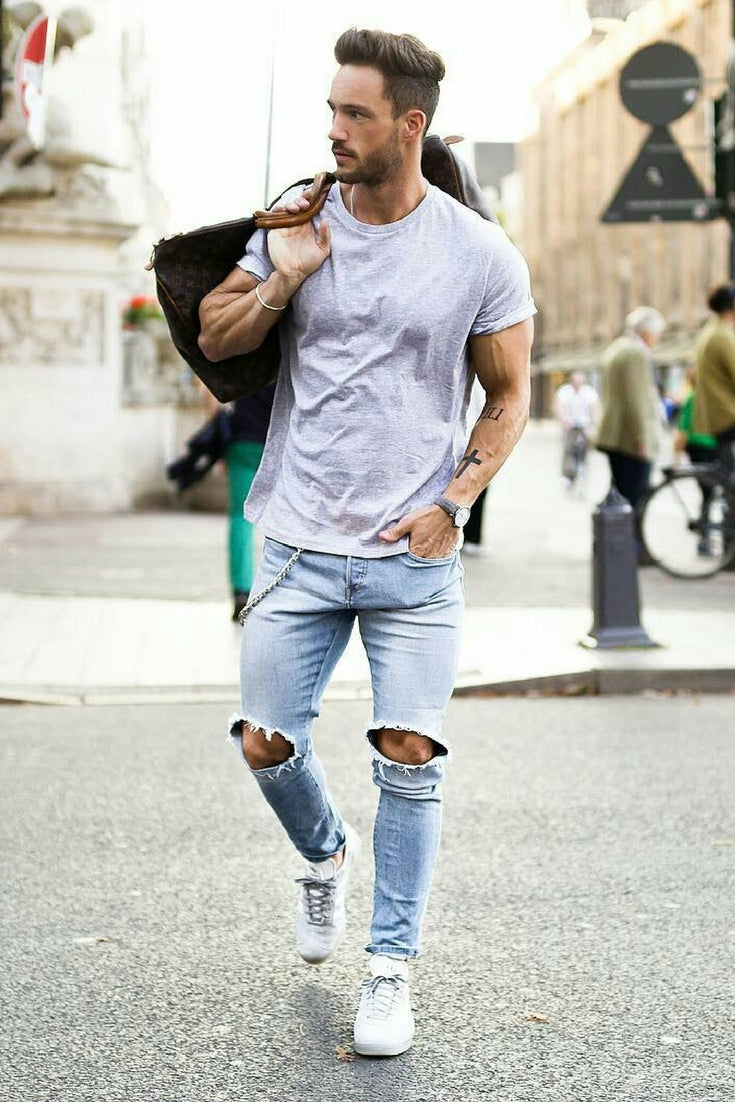 Ripped Jeans + Light Grey Slub Tee + White Sneakers. summer outfit formulas  for men
